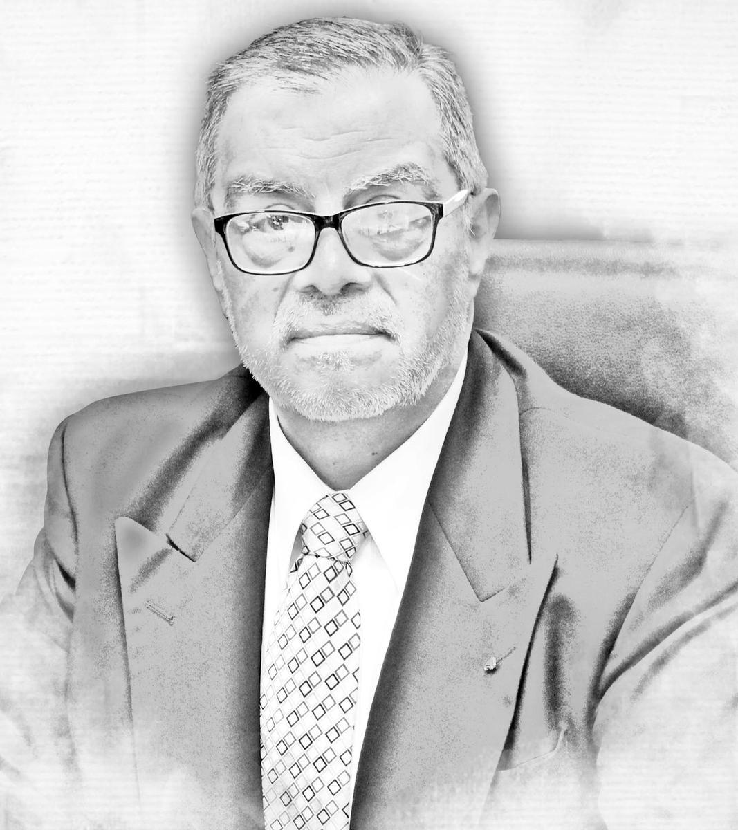 Dr. Ángel Ricardo Guevara