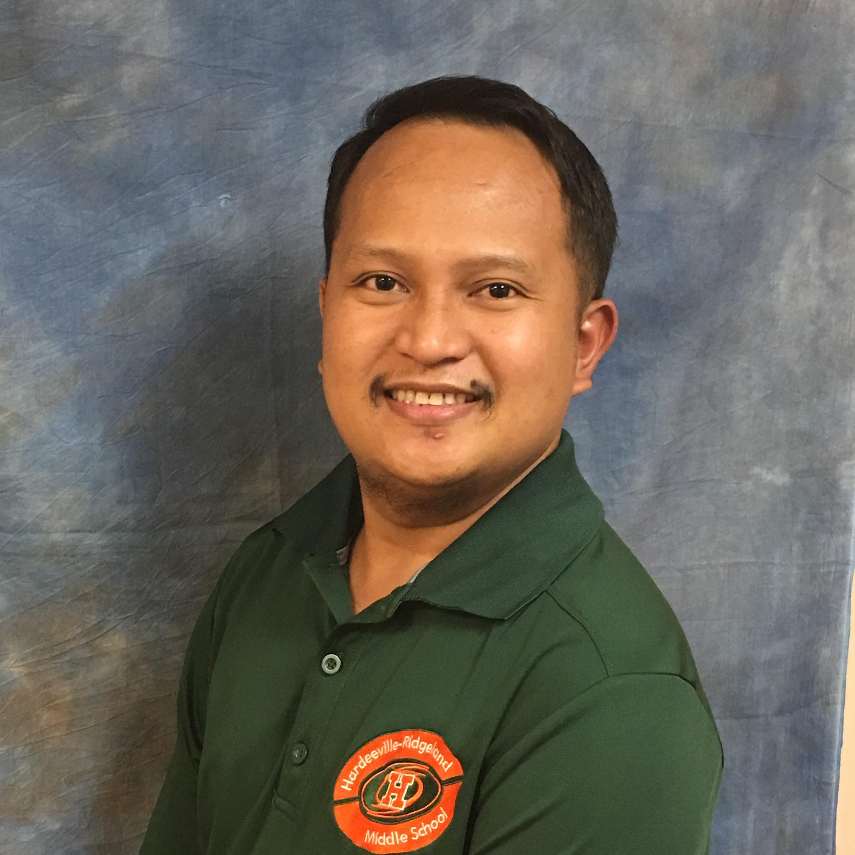 Raymond Taguitay's Profile Photo