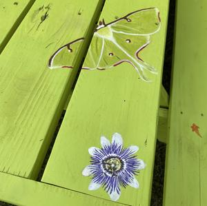Nature-themed picnic table