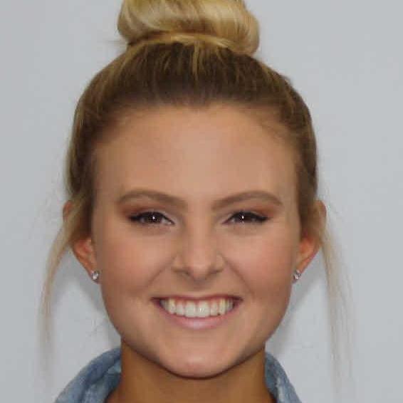 Elisabeth Riddle's Profile Photo