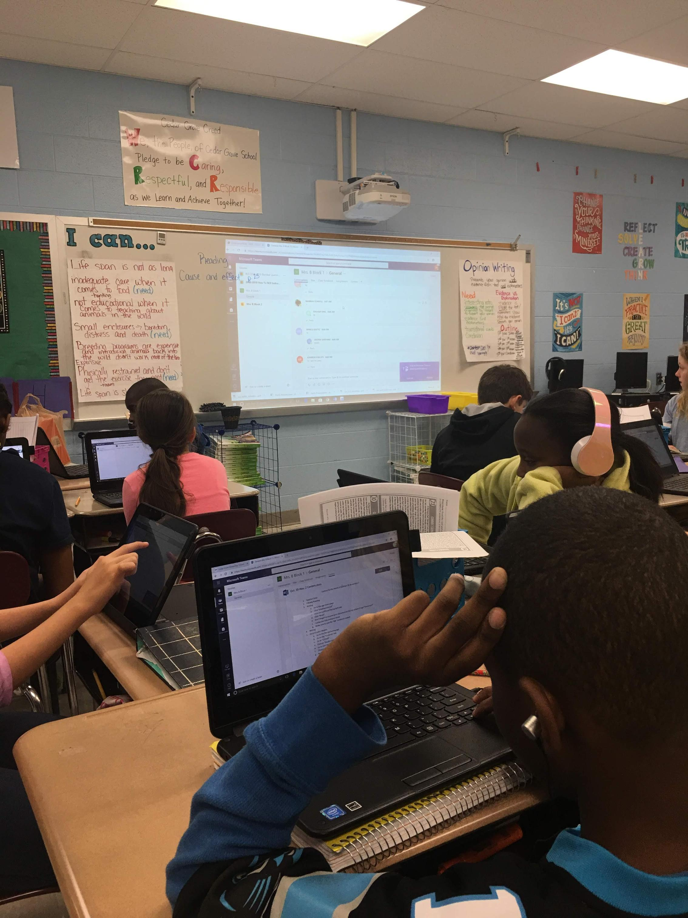 TEAMS in 5th grade Blended Learning Classroom