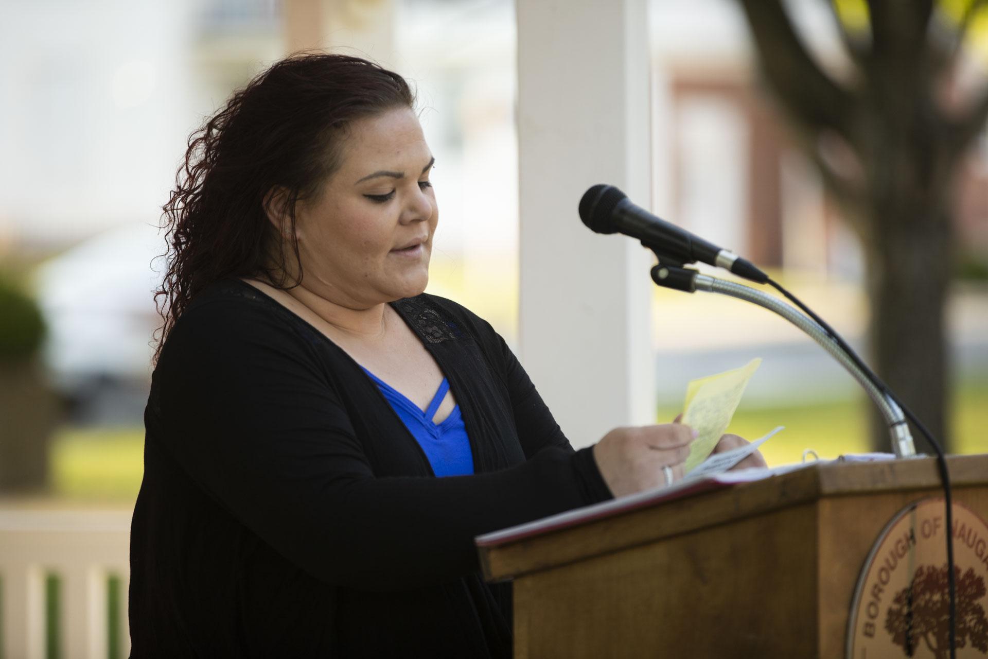 Rebecca Palm speaking in gazebo