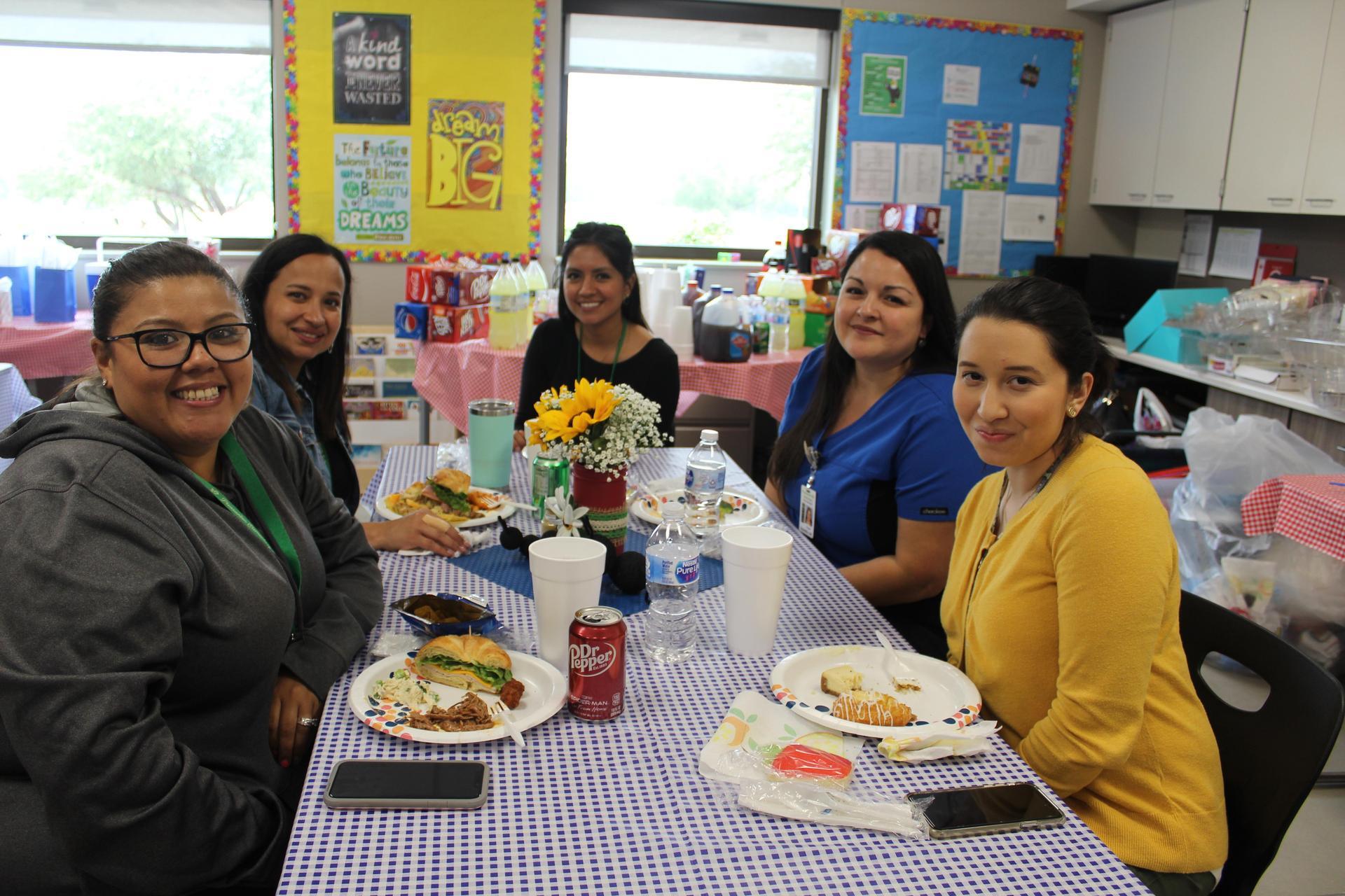 Elementary Teachers eating lunch