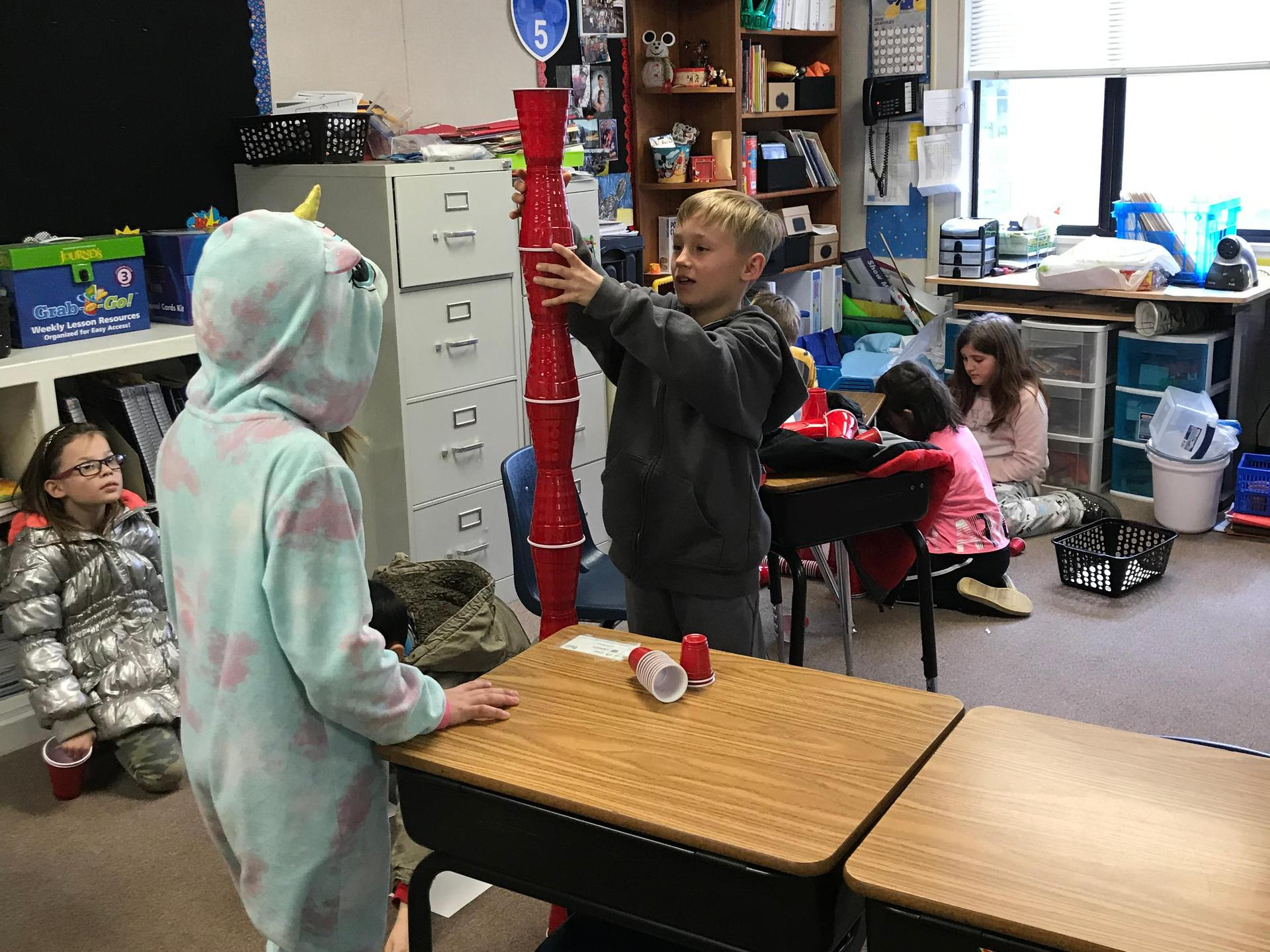 Frisbie's Class Cat-In-The-Hat STEM project