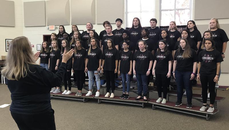 Wendi Humphries leads a recent Honors Choir rehearsal