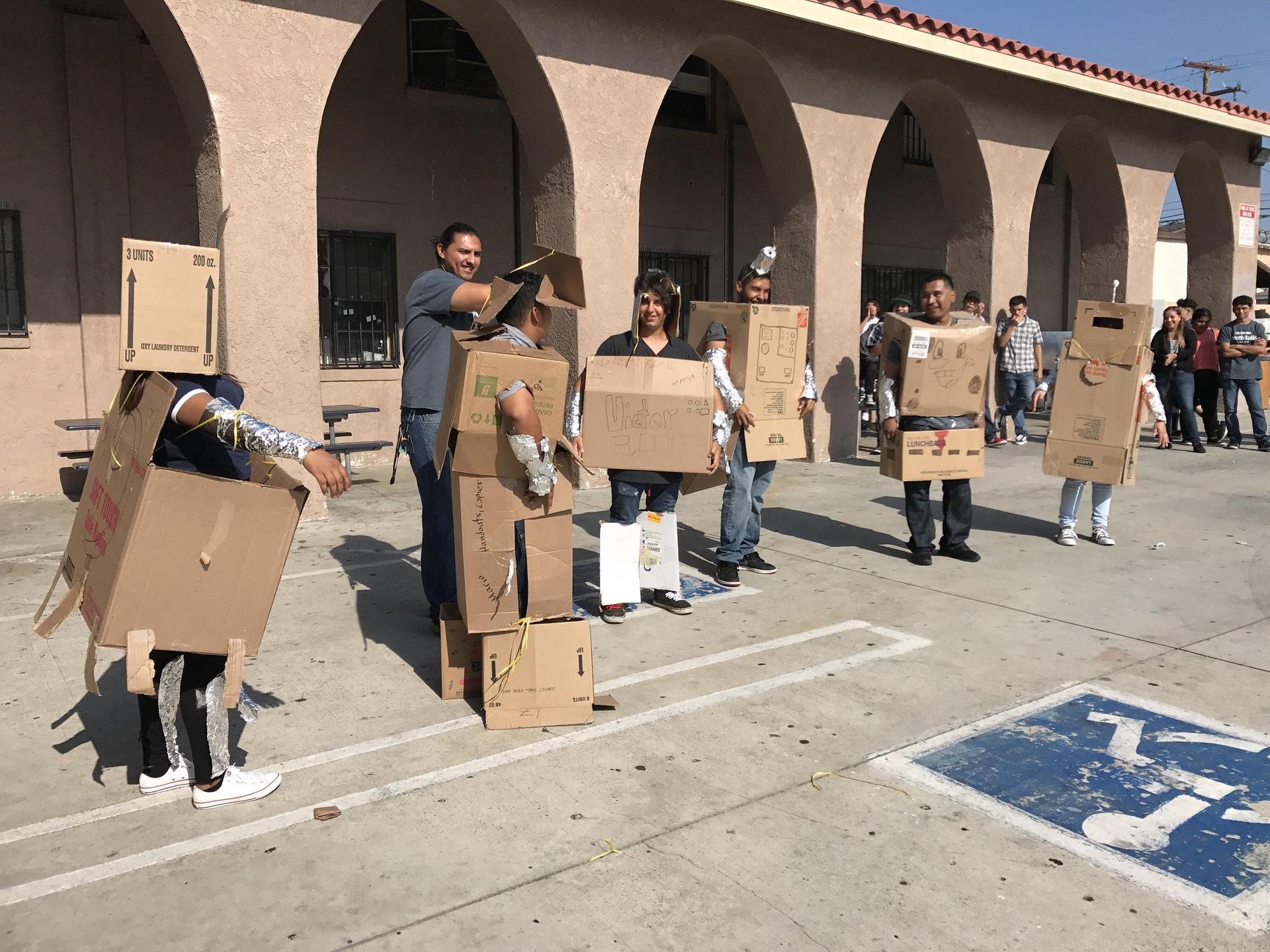 LA CAUSA student dress as robots