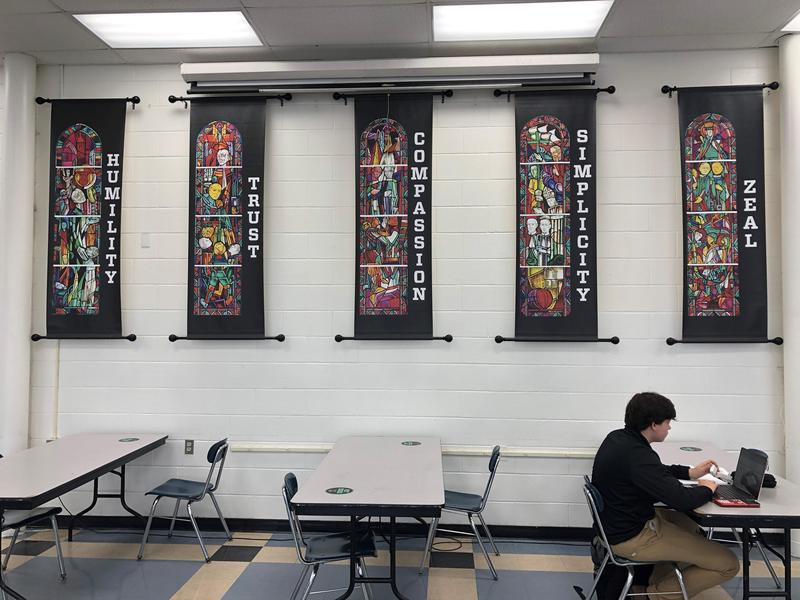 New banners in dining hall