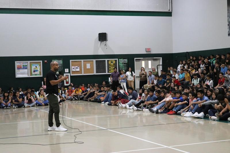 Speaker Jeremy Anderson speaks to Citrus School students