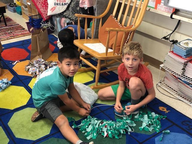Wreath making race!