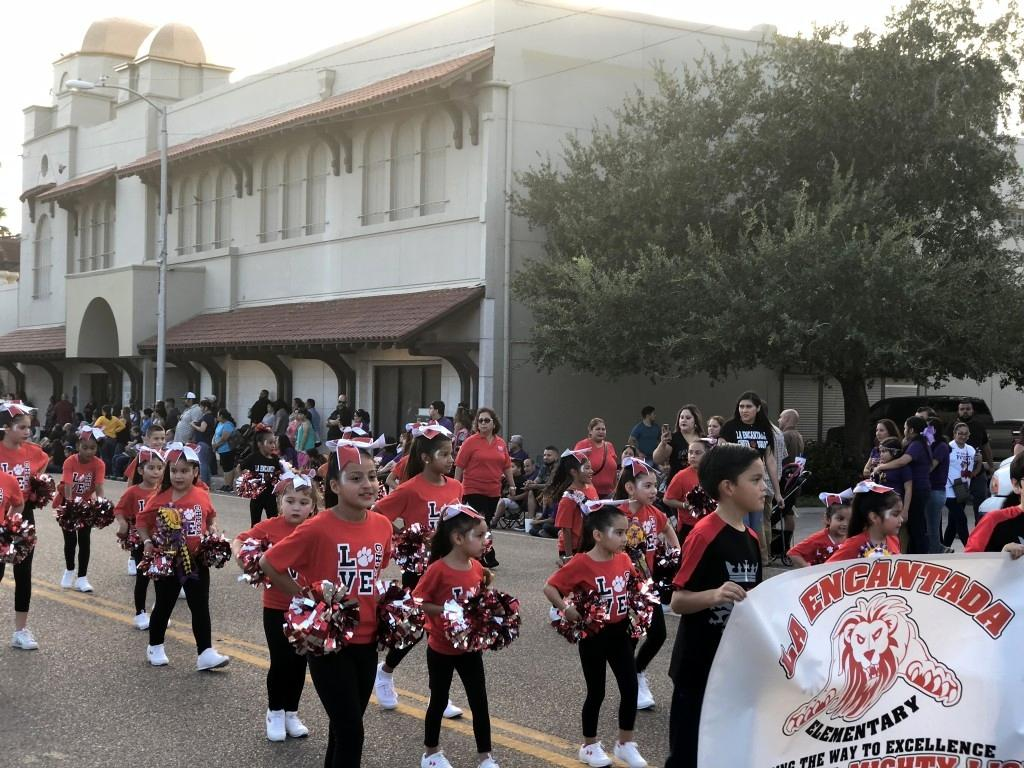 2017: Homecoming Parade: Cheer Team 10/20/17 u00BB