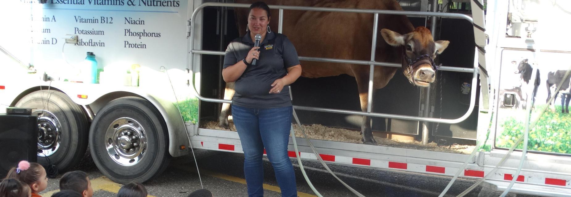 Presenter for the dairy farm