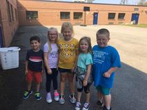 French Creek students enjoy friends and the sunshine!
