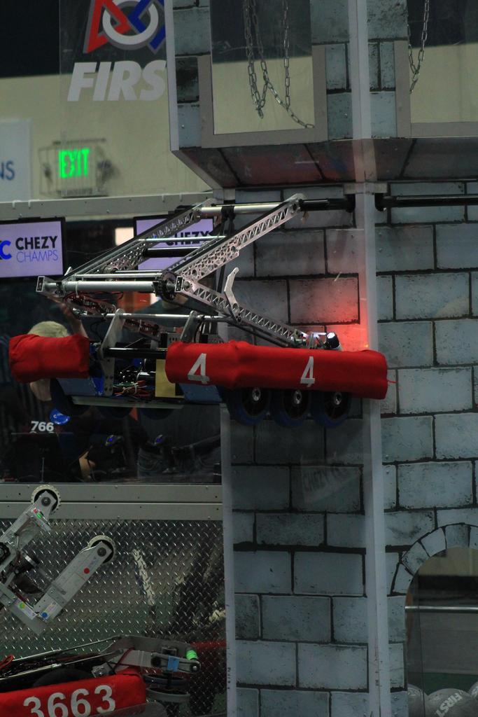 Robot hanging