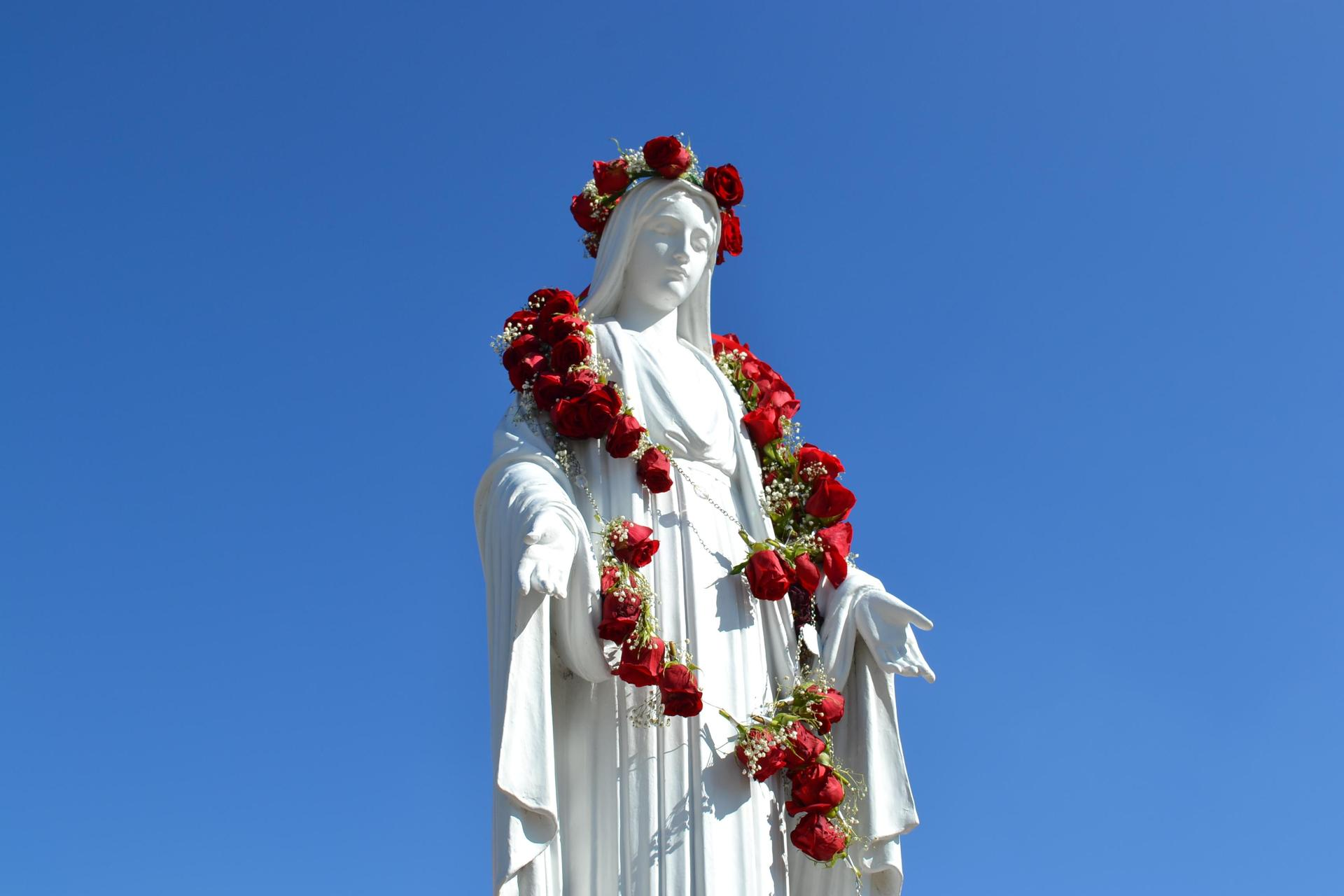 Monarchs in our Prayers – Alumni – Mater Dei High School