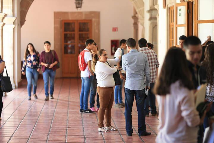 Pocos estudian un posgrado en México; y podrían ser todavía menos, advierten Featured Photo