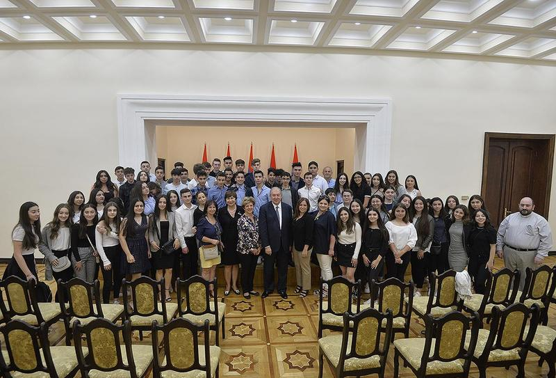 Armenia's President Armen Sarkissian Receives Members of AGBU Manoogian-Demirdjian School Featured Photo