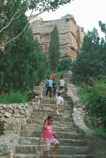 HudsonWay Immersion School climb ancient steps in China