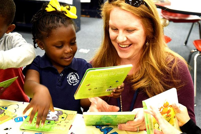 Dr. Renae Wall Donates Books to Elementary School