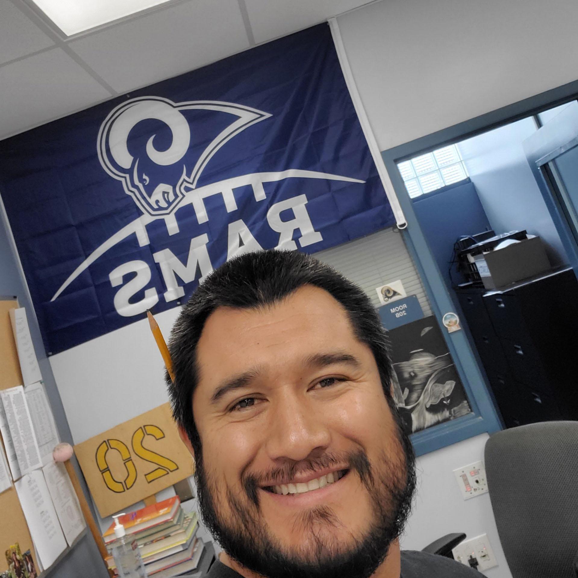 Kenny Villalobos's Profile Photo