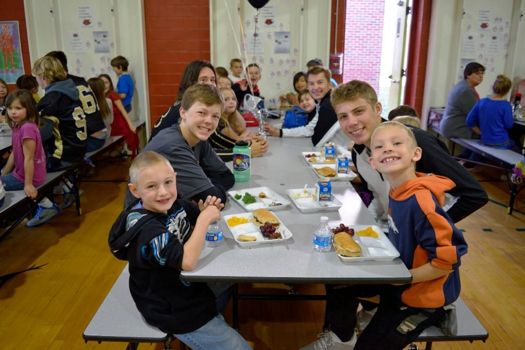 CCHS students eating with McKinley students