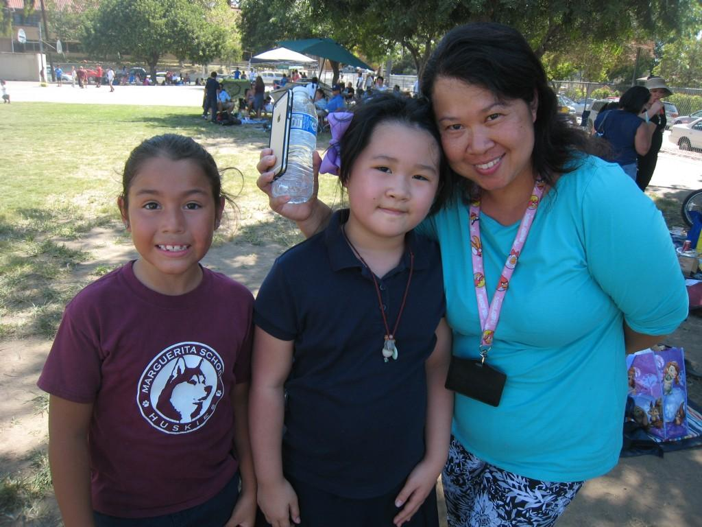 Marguerita parent and students during the PTA/ASB Community Building Picnic