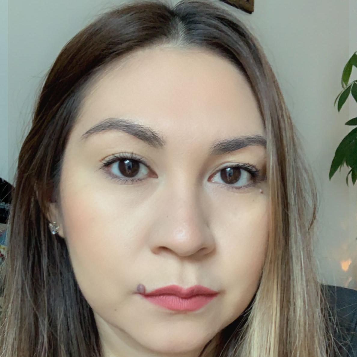 Elizabeth Rosales's Profile Photo