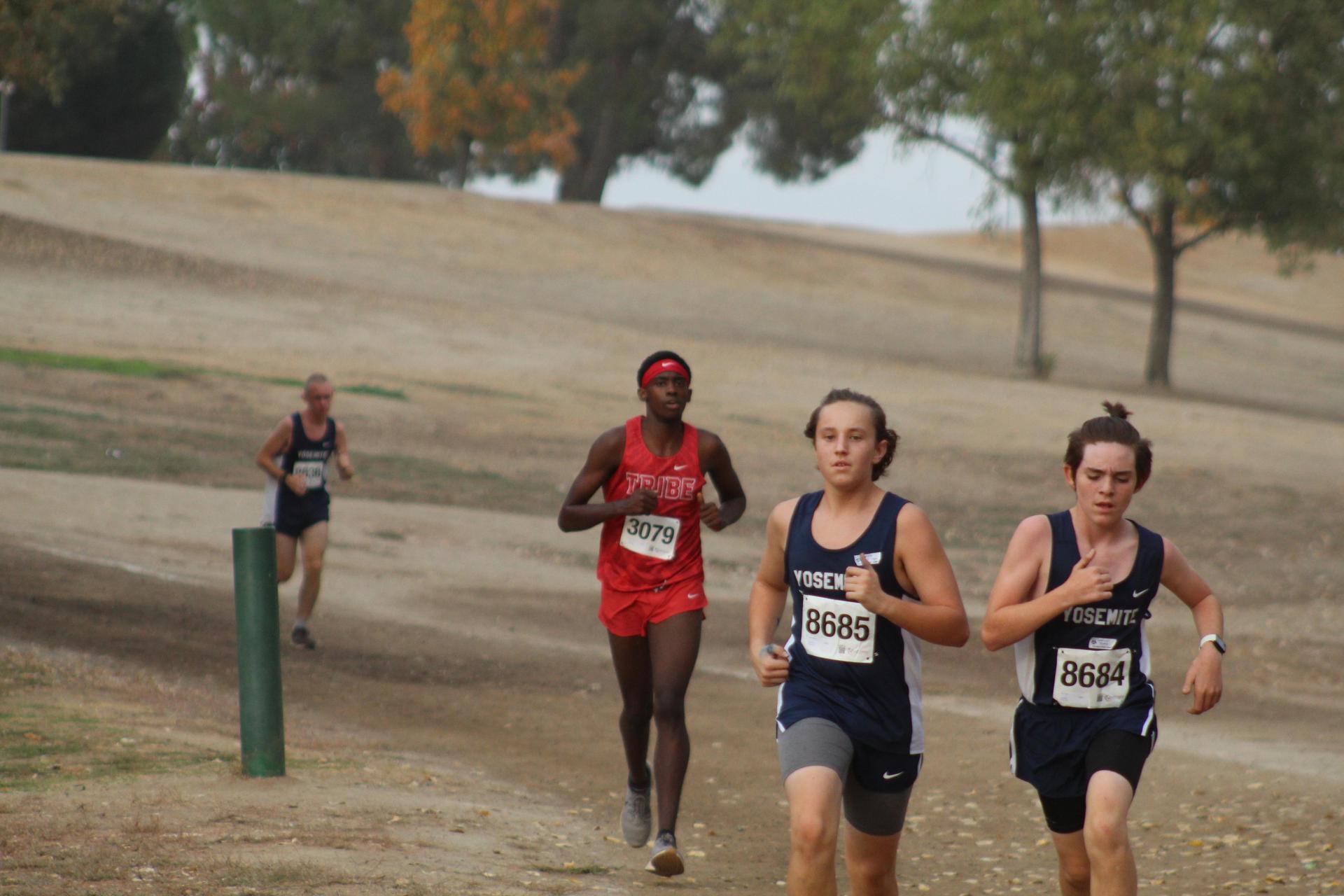 Dajon Davis running