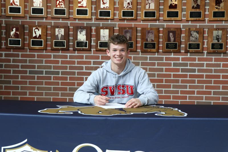 Colin Mulder at his signing ceremony