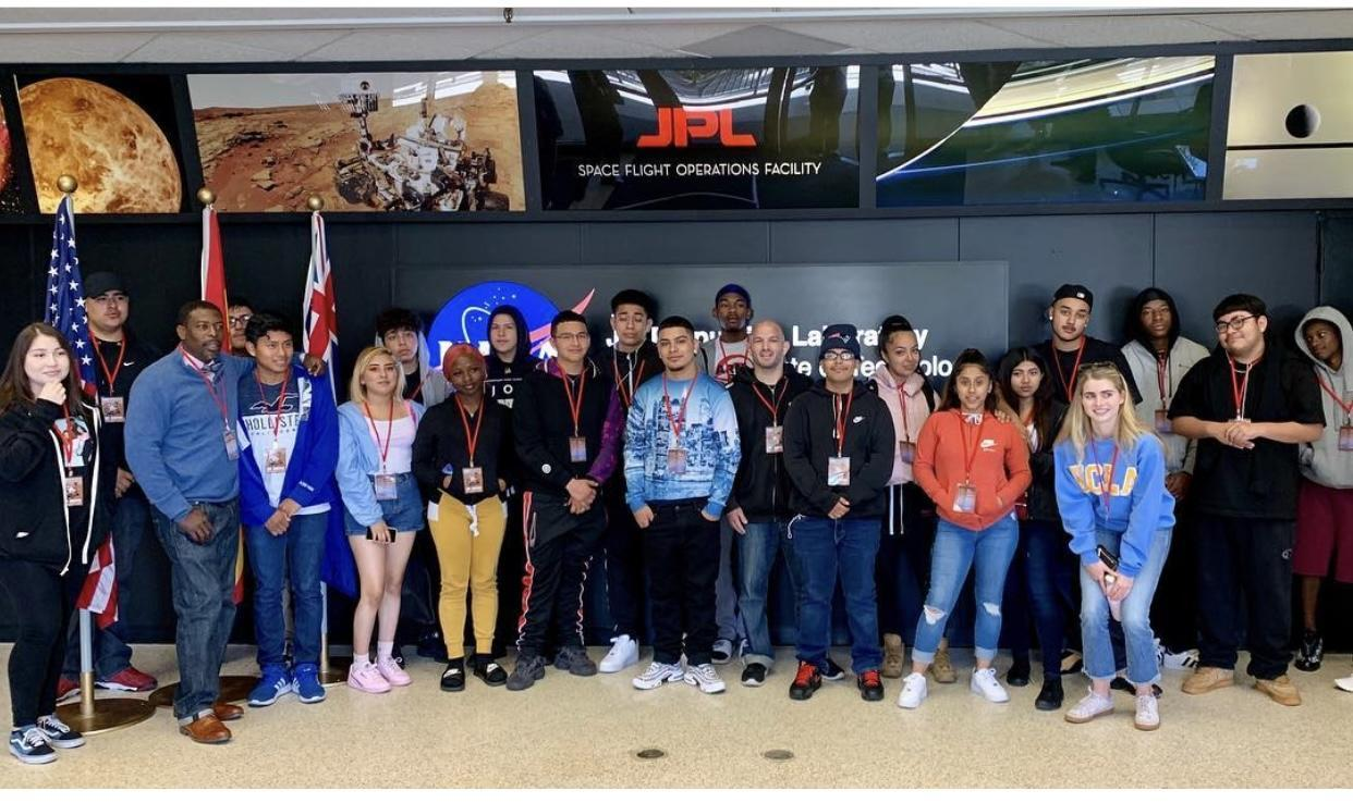 Avalon students on a trip to the JPL