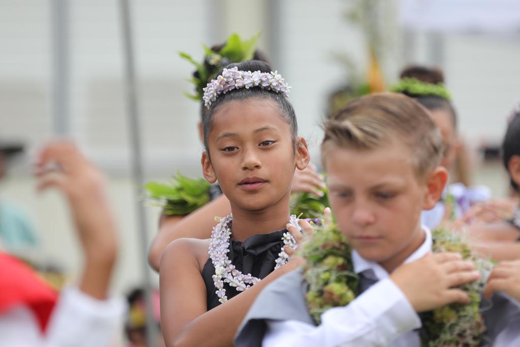 court dancing hula