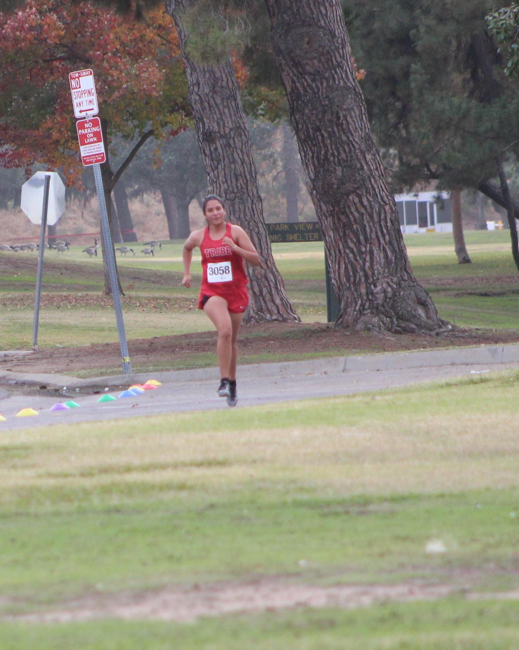 Elsy Varela finishing
