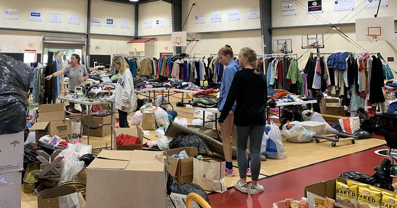 photo of yard sale at James River Day School