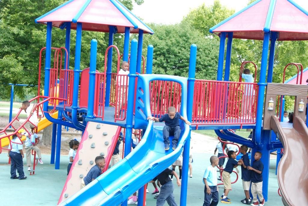 Children at recess, Old North, first day 2016-17