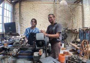 Scott Hegan and employee Jane Higdon at Hegan Glassworks