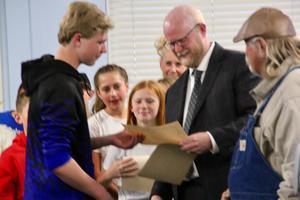School board April DI Wyatt and Supt.jpg