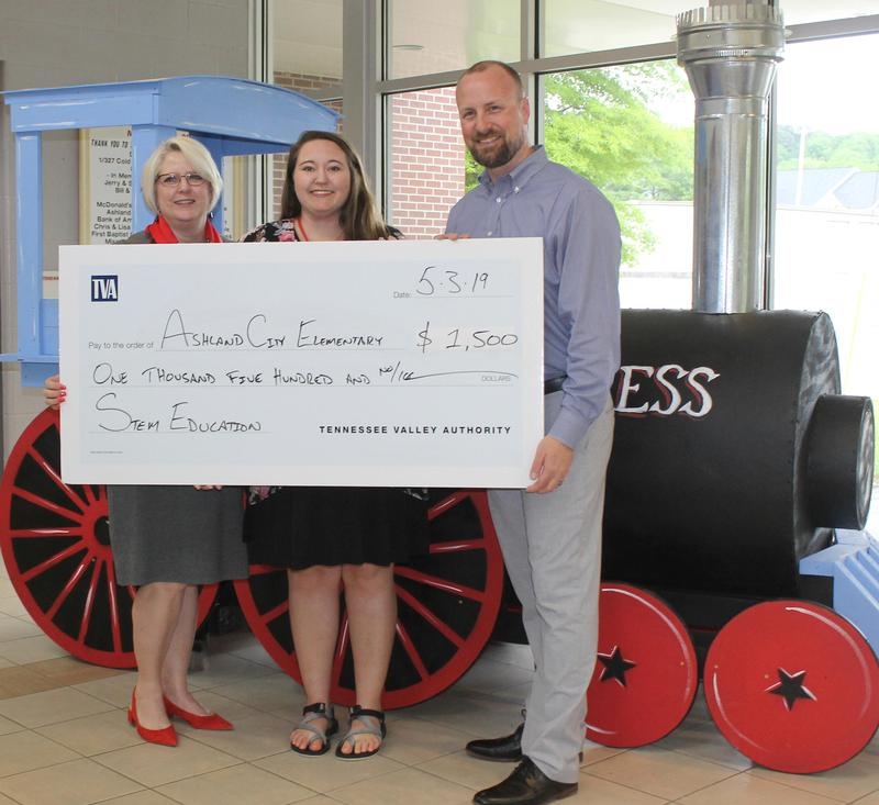 The Tennessee Valley Authority, in partnership with Bicentennial Volunteers Incorporated recently awarded Ashland City Elementary School $1,500 for a STEM education project.