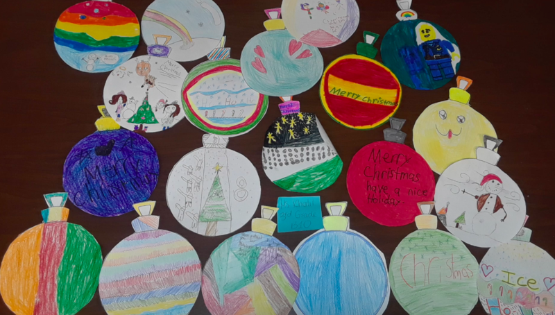 Robert Fulton Students share the Holiday Spirit Featured Photo