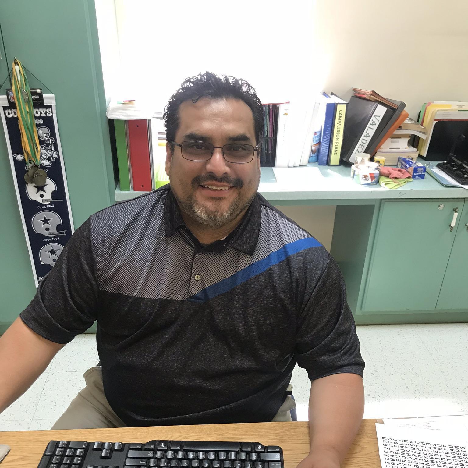 Manuel Valadez's Profile Photo