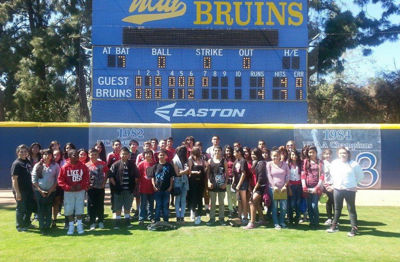 students visiting UCLA campus