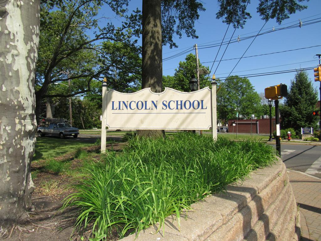 Sign Lincoln
