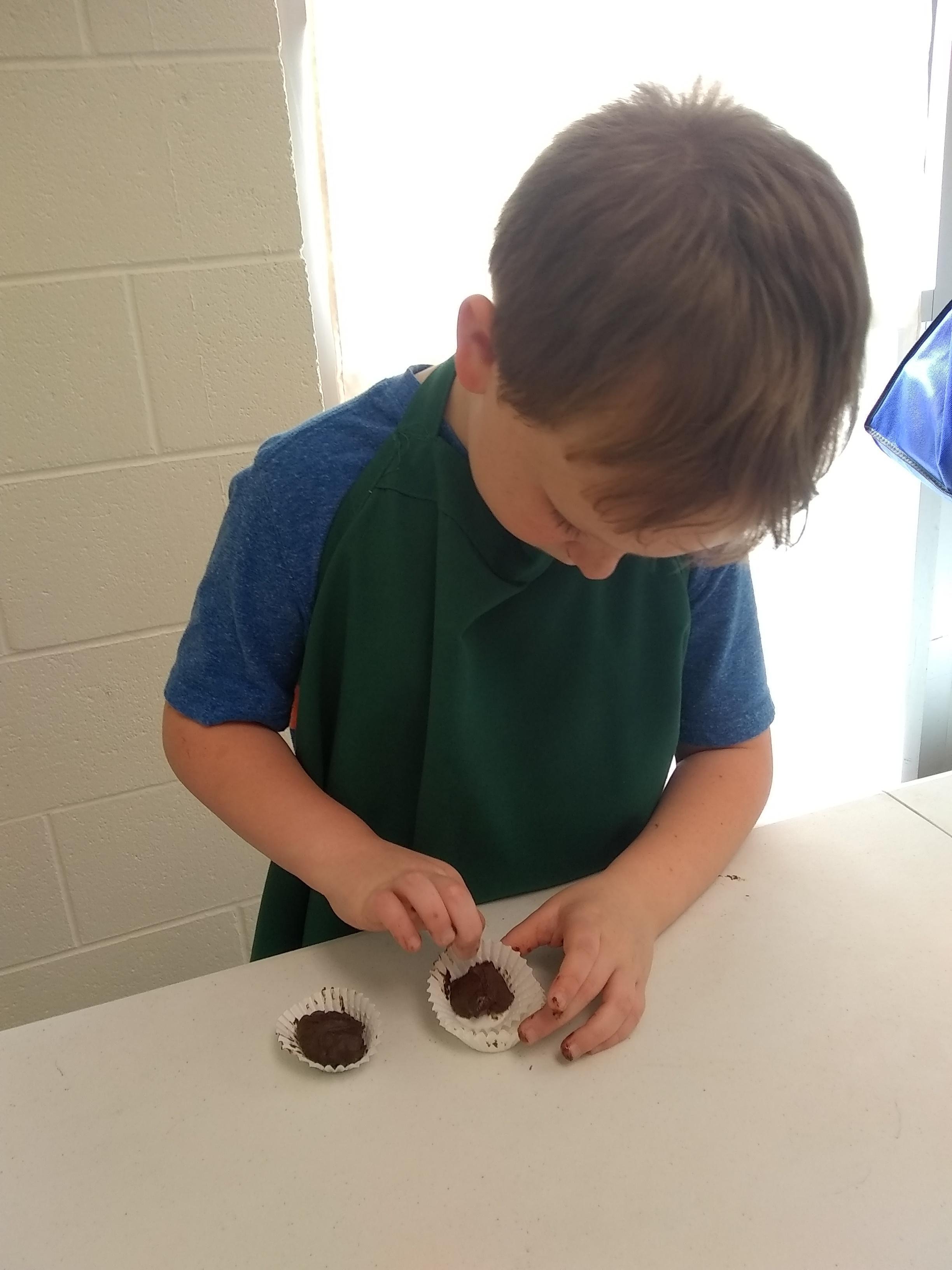 kids preparing chocolate together