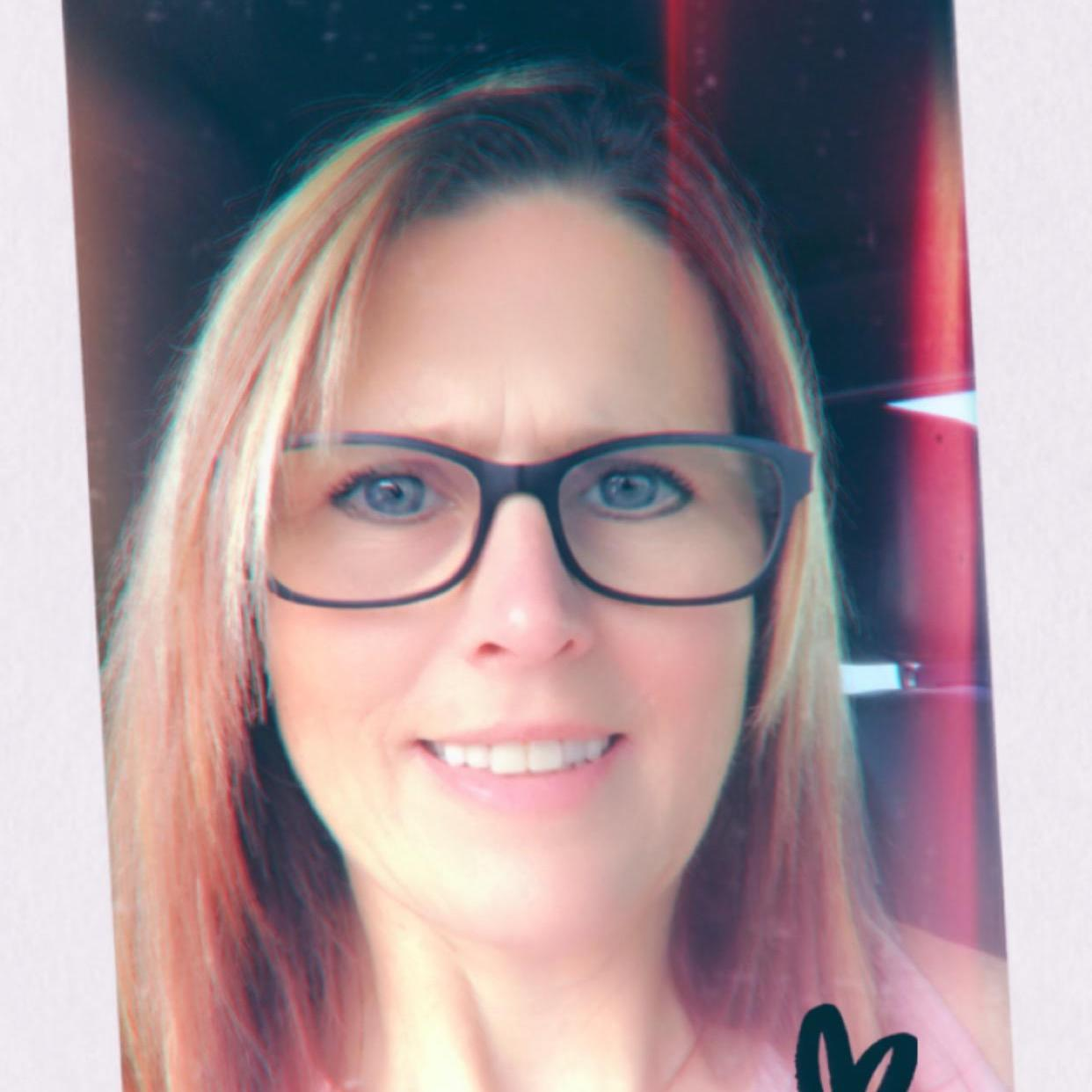 Candy Holt's Profile Photo