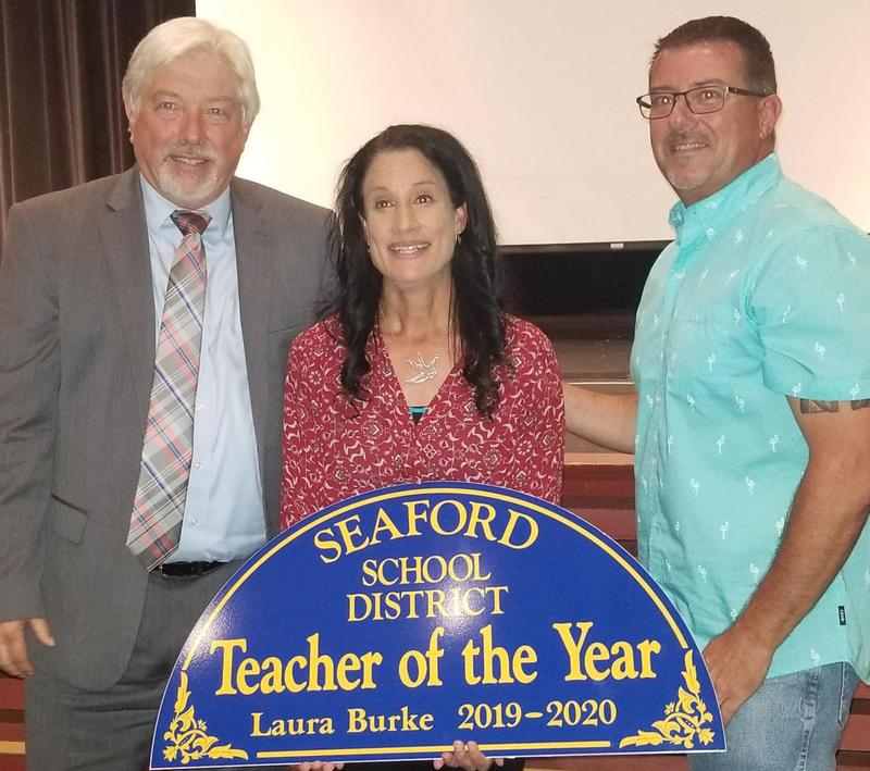 Laura Burke Named 2019-20 District Teacher of the Year Featured Photo