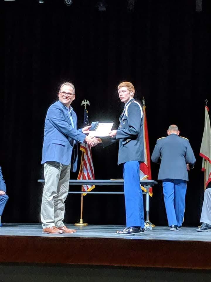 Dr Berry gives JROTC Award