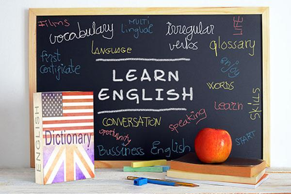 Second-semester English classes for D124 parents Thumbnail Image