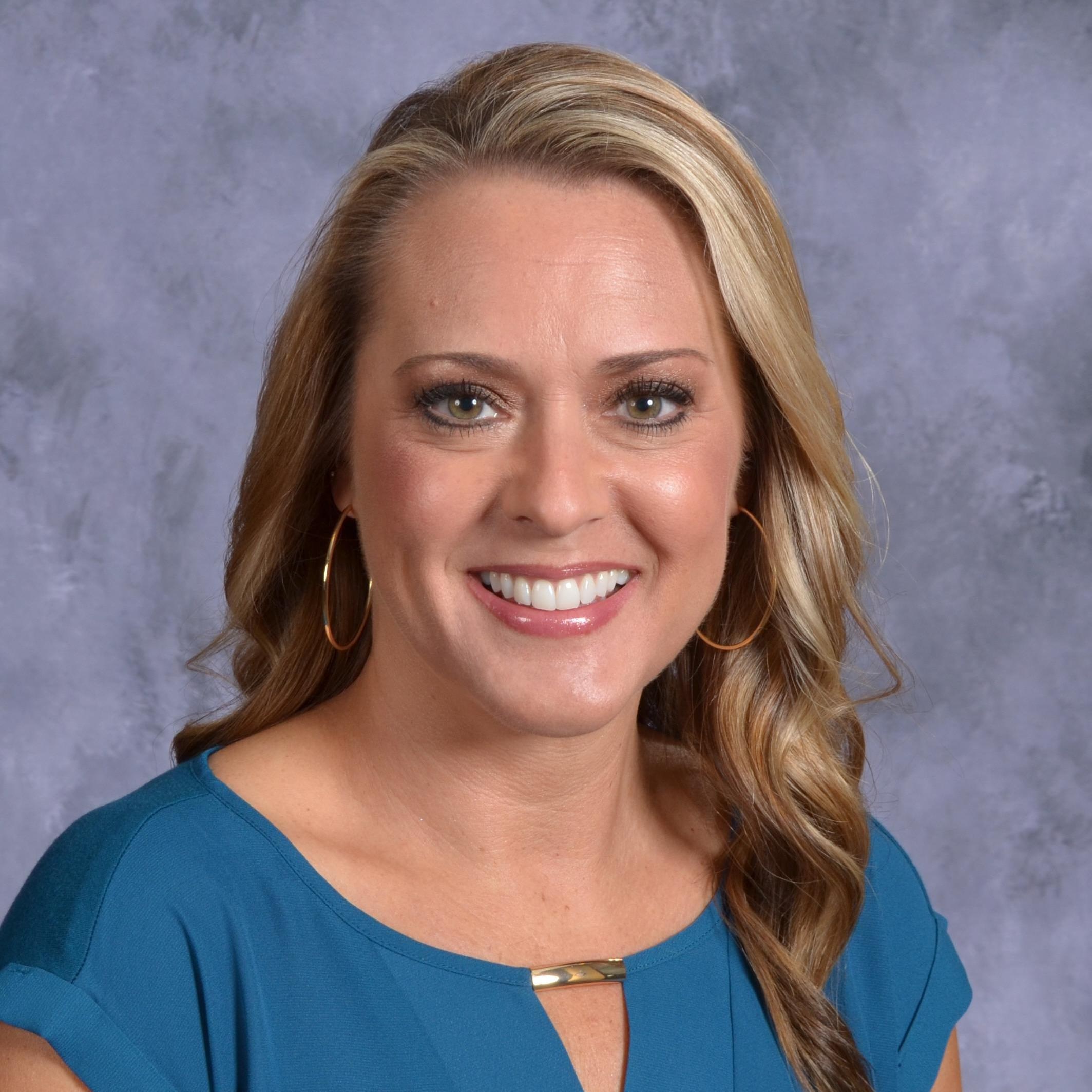 Holly Roelofs's Profile Photo