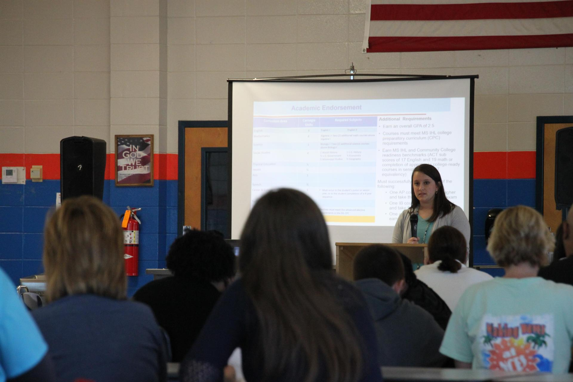 Counselor Speaks to Parents on Graduation Requirements