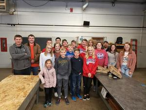 Carlinville High School Student Council and FFA members