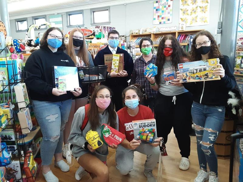 Mrs. Defore's Leadership Class Shopping for Christmas