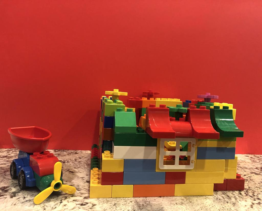 house built out of duplos